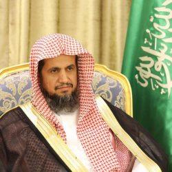 أمير تبوك يعزي رئيس المحكمة الجزائية بالمنطقة بوفاة والده