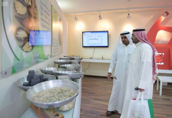 أكثر من 200 متبرع بالدم في جناح مدينة الملك عبدالعزيز الطبية بالجنادرية