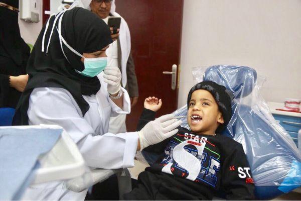 قائد مدرسة يقطع أجازته المرضية لمتابعة سير المدرسة