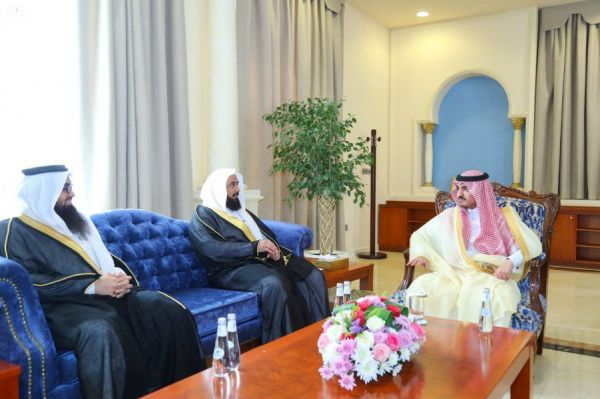وزير الحرس الوطني يؤدي صلاة الميت على أمير الفوج الثامن والثلاثين