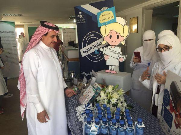 العواد يتفقد المركز الاعلامي للقمة العربية باثراء وميركور