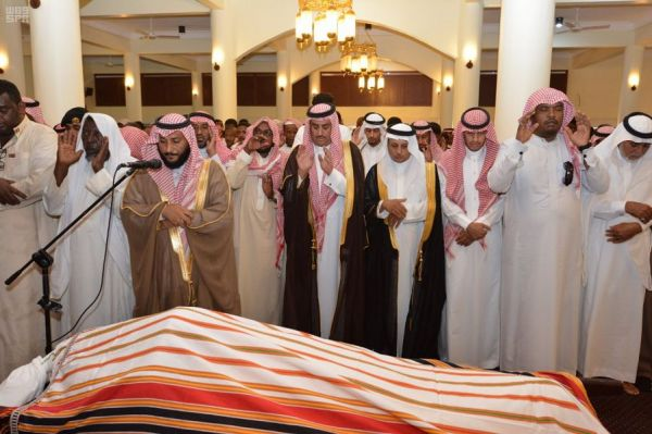 الشؤون الإسلامية تعقد اجتماعاً مع المرور بهدف نشر الوعي المروري لدى فئات المجتمع كافة