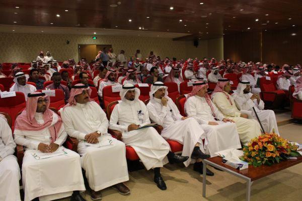 أمير منطقة الرياض يرعى حفل تخريج طلاب جامعة الأمير سلطان