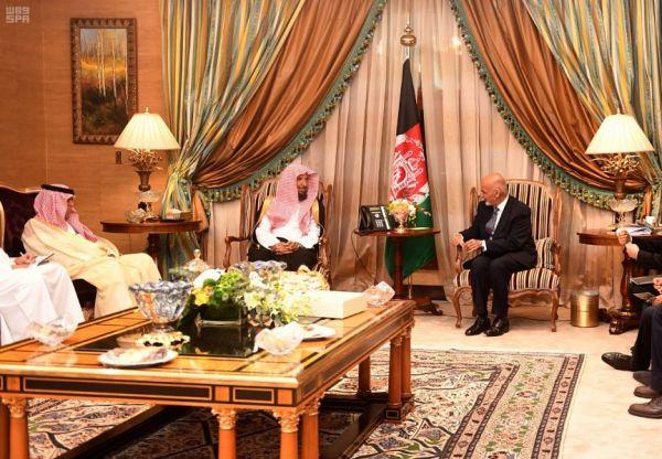 الرئيس الأفغاني يغادر جدة