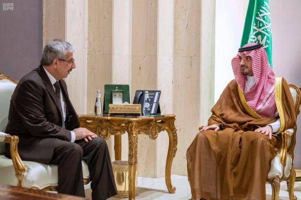دبلوماسيون يزورون ملتقى ومعرض العمرة