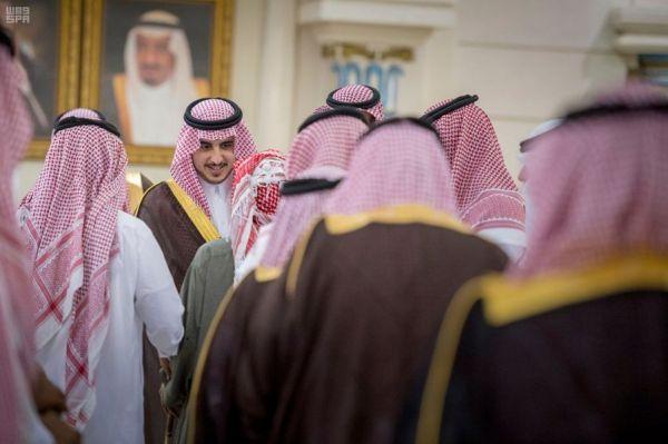 أمير الرياض يرعى حفل تخريج 571 طالبًا من كلية علوم الطيران