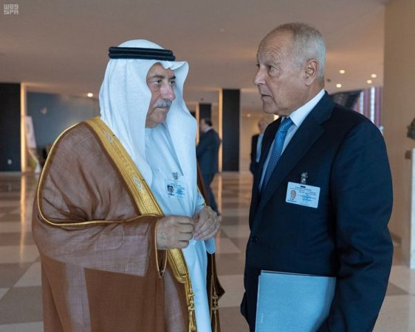 ولي العهد يجتمع مع رئيس وزراء جمهورية العراق